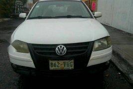 Vendo un carro Volkswagen Pointer 2008 excelente, llámama para verlo
