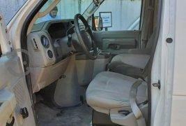 Quiero vender inmediatamente mi auto Ford Econoline 2012