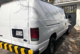 En venta un Ford Econoline 2000 Automático en excelente condición