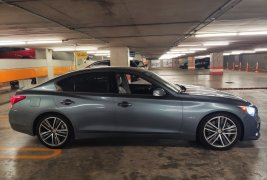Vendo un carro Infiniti Q50 2016 excelente, llámama para verlo