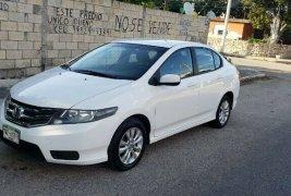 Vendo un carro Honda City 2013 excelente, llámama para verlo