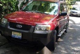 Quiero vender inmediatamente mi auto Ford Escape 2005 muy bien cuidado