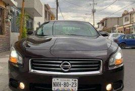 Vendo un carro Nissan Maxima 2013 excelente, llámama para verlo