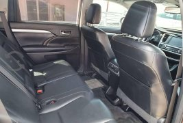 Vendo un Toyota Highlander impecable