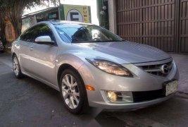 Pongo a la venta cuanto antes posible un Mazda 6 en excelente condicción