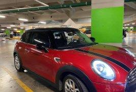 Carro MINI Cooper 2015 en buen estadode único propietario en excelente estado