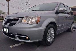 Tengo que vender mi querido Chrysler Town & Country 2013