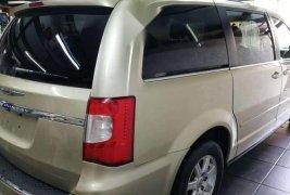 Precio de Chrysler Town & Country 2011