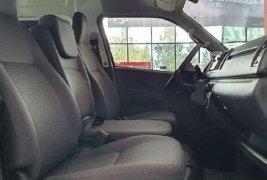 Toyota Hiace ventanas