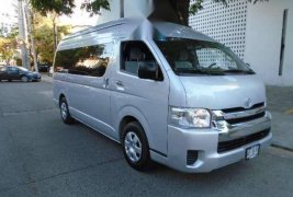 Toyota hiace 15 pasajeros 2019 unico dueño