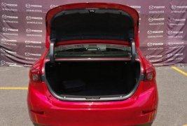 Mazda 3 rojo