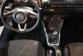 Se vende excelente vehiculo Mazda 2 1.5 iTouring