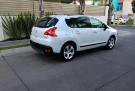 Peugeot 3008 Hermosa impecable d cochera y maxlujo urge
