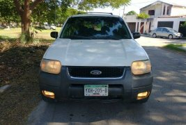 HERMOSA FORD ESCAPE XLT 2003