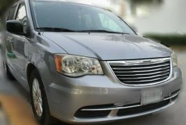 Chrysler Town & Country LX 2014