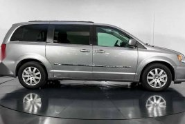 33278 - Chrysler Town & Country 2013 Con Garantía