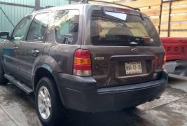 Ford escape 2005 original