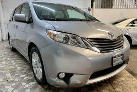 Toyota sienna xle piel quemacocos factura original