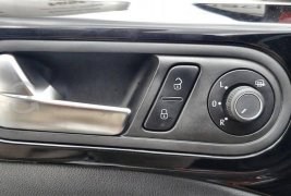 Auto Volkswagen Beetle Sportline 2018 de único dueño en buen estado
