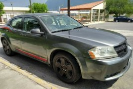 Se pone en venta Dodge Avenger 2010