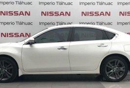 Pongo a la venta cuanto antes posible un Nissan Altima en excelente condicción