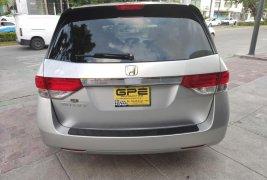 Auto Honda Odyssey EX 2014 de único dueño en buen estado