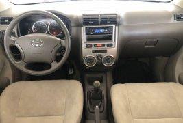 Toyota Avanza Premium 2010 en buena condicción