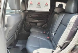 Mitsubishi Outlander 2020 5p Limited Híbrido L4/2.