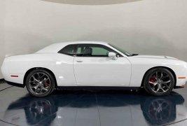 Auto Dodge Challenger 2018 de único dueño en buen estado