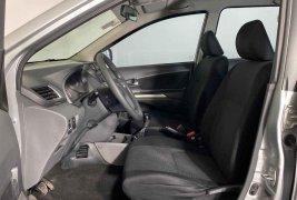 Auto Toyota Avanza 2012 de único dueño en buen estado
